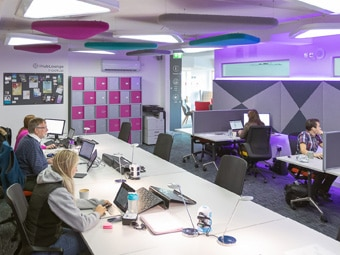"""The HubLounge at Falkirk Business Hub provides you with a spacious desk with reliable wifi in a shared working environment. Our coworking facilities are used by a variety of local business people and you are able to join as a """"pay as you go"""" or monthly member."""